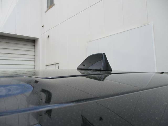 シャークフィンアンテナ スッキリとした外観でクルマのデザインの調和し走行時の風切音が少なくなくなります!