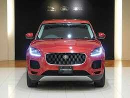 ジャガーのコンパクトSUVモデル、E-PACE。スタイリングだけでなく、その乗り味、コーナリング性能は「スポーツカーのDNAを受け継いだSUV」と言えるでしょう。