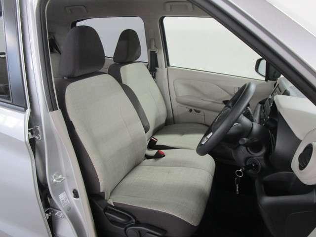 座り心地の良い、シートヒーター付きフロントシートです!