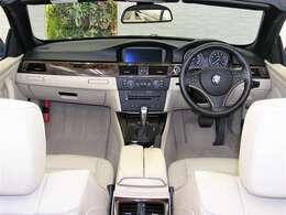 走行3万キロ台のお車になりますので室内も綺麗な状態です。今まで丁寧に扱われてきた事も十分に理解できます。