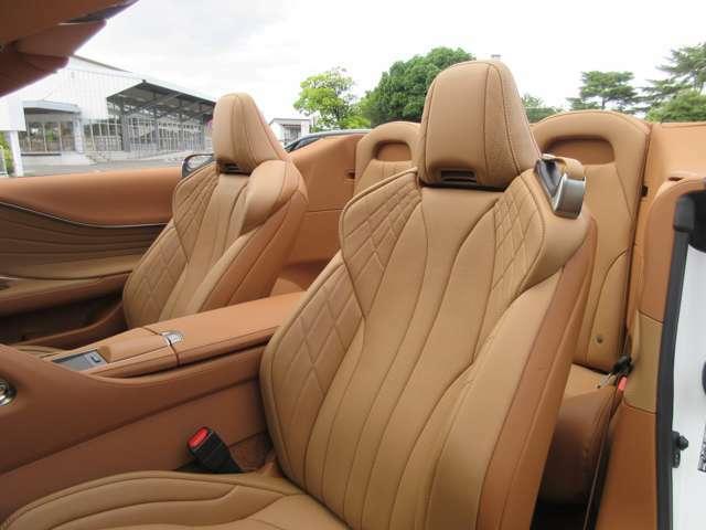 ネックヒーター付きヘッドレスト ELR3点式シートベルト 運転席・助手席:テンションリデューサー・プリテンショナー・フォースリミッター機構付