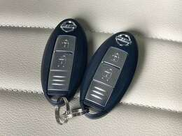 【スマートキー】キーを鍵穴に挿し込んだり、リモコンのボタンを押すことなく鍵の開閉ができます!バッグやポケットに入ったままでもOK♪