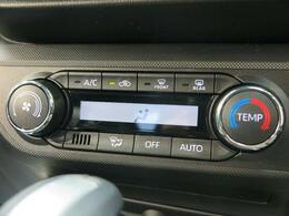 フルオートエアコンが付いていますので室内空間はいつでも快適です☆好きな温度に設定すれば自動的に調整してくれます♪