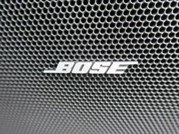 メーカーオプションのBOSEスピーカー(75000円)が装備されています♪一つ上の音質で音楽をお楽しみながらドライブをお楽しみいただけます♪