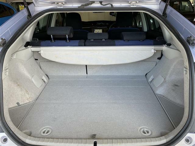 ◆広々としたトランクルームは大きな荷物も載せることができ実用性も実感できます。