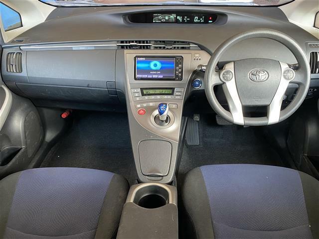 インパネにすっきり収まり、とても使いやすいです!CDやラジオを聴きながら運転をお楽しみいただけます!