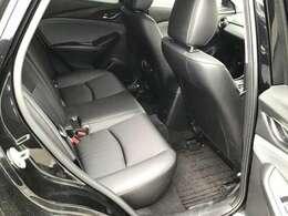 後席シートです☆後席も運転席・助手席同様良好な状態です☆ご家族で楽しいひと時をお過ごしください☆