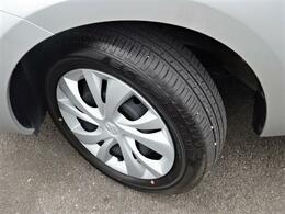 タイヤ溝・ホイール共に綺麗な状態でたくさんお乗りいただけます^^ひび割れなどもなく安心してお乗りいただけます!