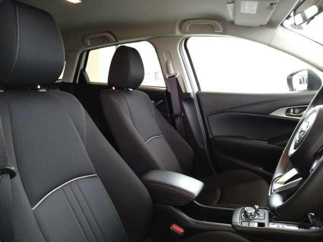 運転席シート♪車内クリーニング済♪ブラックファブリックシート♪