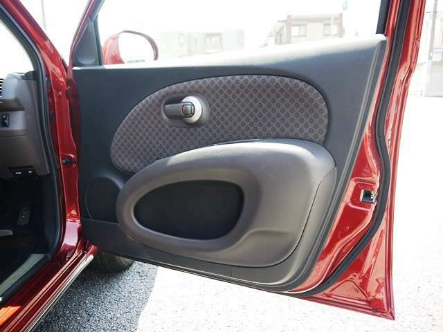 【納車準備】 ルームクリーニングを施し、清潔な車内空間をご用意いたします♪♪併せて追加装備のご要望も承っておりますので、お気軽にお申し付けくださいませ。無料ダイヤルはコチラ:0066-9711-655338