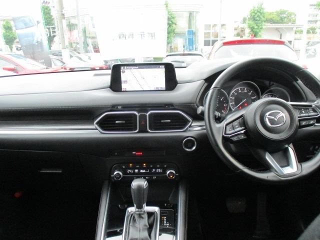 ■4WD新世代4WDシステムi-ACTIV AWD!ドライバーには感じ取れないわずかなタイヤスリップを感知、予測!前後のトルク配分を常に最コントロールし高い走破性能と燃費性能を両立した4WDです!