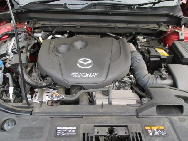 マツダ車を知り尽くしたメカニックが真心を込めて整備致します。また、ご購入後の点検やオイル交換、車検も行っております。