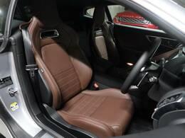 高級感があり質感の高いブラウンシートでございます。運転席ですが、綺麗な状態は内装の状態を見る大きなポイントになると思いますので、是非一度、実際にご覧くださいませ。