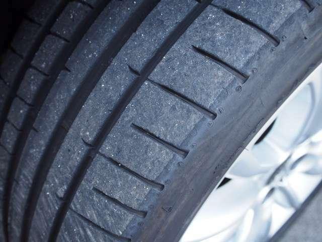 タイヤの溝もきれいな状態です。