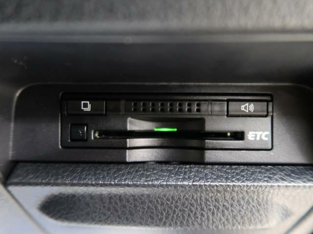 今や必需装備となりつつある、【ETC】搭載車!当店でセットアップが可能ですので、ご納車当日からご使用が可能です!高速道路料金のお支払いが楽々です!