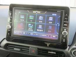 ナビゲーションは日産純正メモリーナビ(MM319D-L)を装着しております。AM、FM、CD、DVD再生、Bluetooth、音楽録音再生、フルセグTVがご使用いただけます。初めて訪れた場所でも道に迷わず安心ですね!