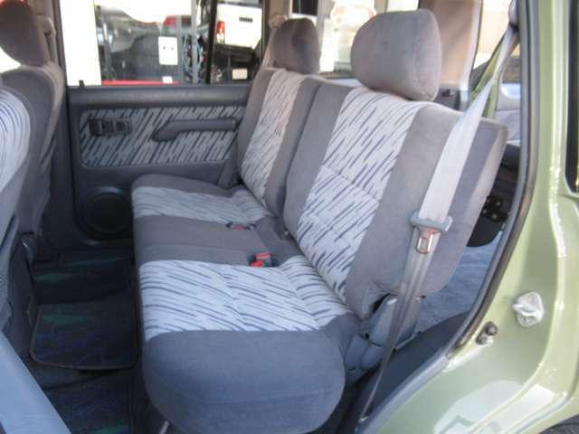 前席シートに比べて使用頻度の少ない為、とてもキレイな状態を維持しています♪