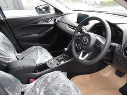 運転席の画像です!!
