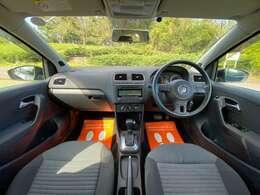 車内はコンパクトカーとは思えない、十分な広さ!ストレスなく運転を楽しめます!