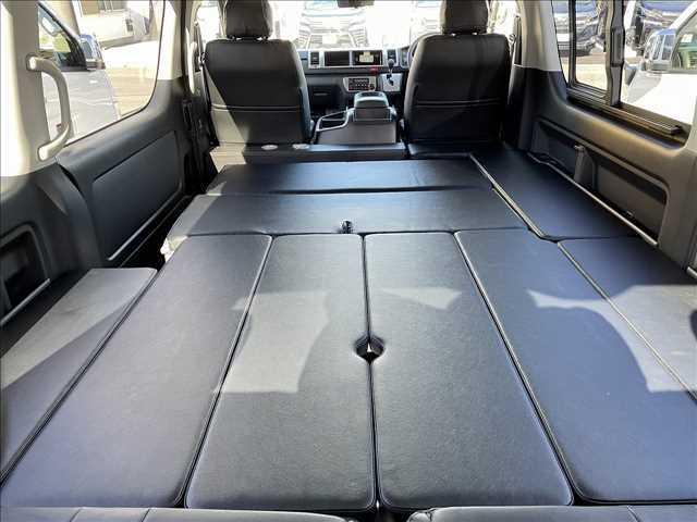 大人3人の車中泊も可能です!寝るときだけでなく、ご家族、ご友人等多くの方々とご利用いただけます!