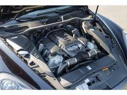 エンジンはV6、3,600ccの直噴化されたターボエンジンはカタログ値で500馬力を発揮します!低回転からトルクフルでストレス感の無い快適な走りをお楽しみ頂けます!!TEL:045-348-3232