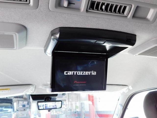 ロングドライブには欠かせないフリップダウンモニターも搭載されております!後席の方も飽きさせませんよっ♪