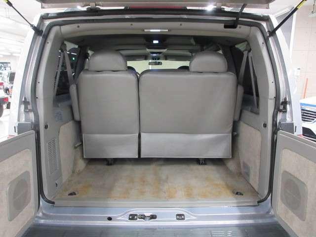 広々とした荷室!荷物をたくさん載せても安心なパワーと4WD♪