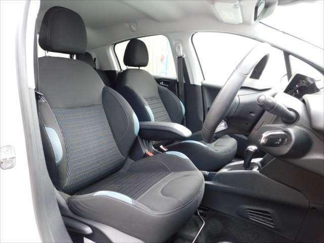 シート、内装も丁寧、綺麗に乗っておられた前オーナーさま、清潔感あふれる車内です♪