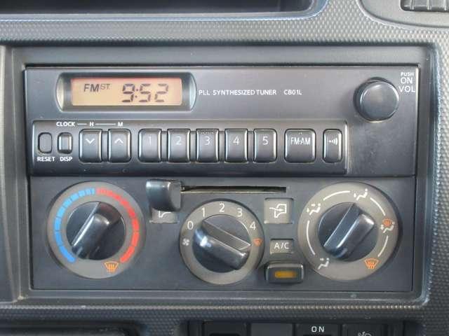 AM/FMラジオ聴けます♪マニュアルエアコンです☆