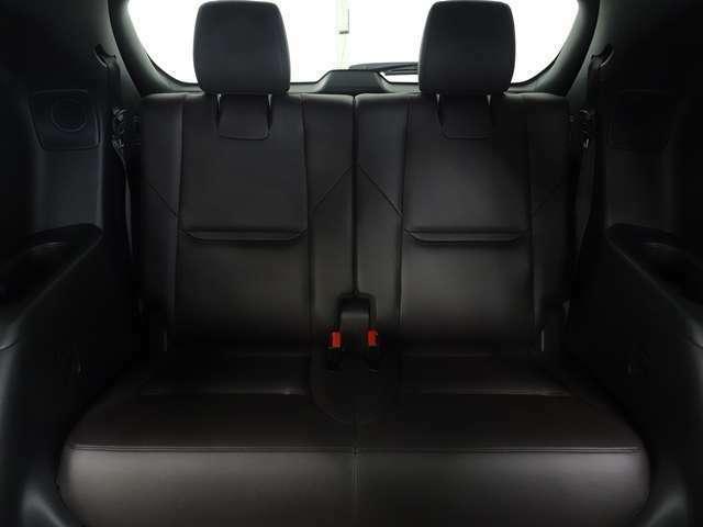 ぜひ現車に乗り込んでクルマの状態をご確認ください。お客様のご納得いくまで説明させていただきます。