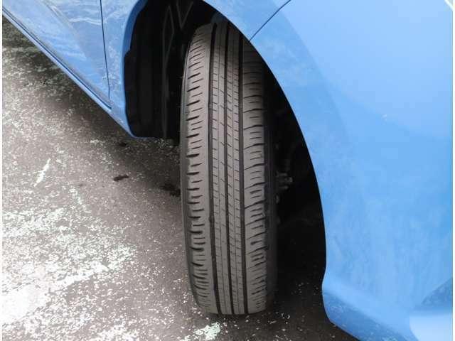 タイヤ溝もまだまだありますよ