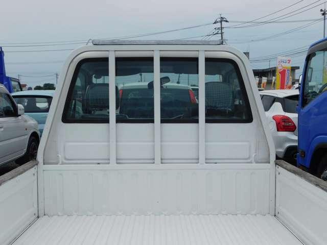 堀口自動車フラット7天水店では軽自動車からセダン、ミニバンまで展示中!また、トラック・ダンプ等の在庫も充実!専門知識豊富なスタッフがご対応致します。