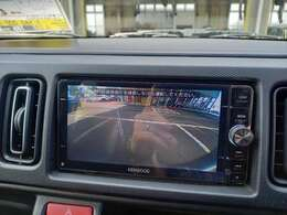 バックカメラついてます!!駐車時の確認はもちろん。後方の安全もできます!!今や必須アイテムですね!!