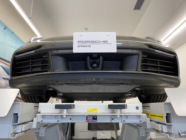 安全装備として車高を上げることができるフロントリフト、レーンチェンジ、レーンキープアシストを装備。