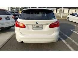 BMWが初めてファミリーユース向けで発売したアクティブツアラー。実用性が高いコンパクトワゴンです。
