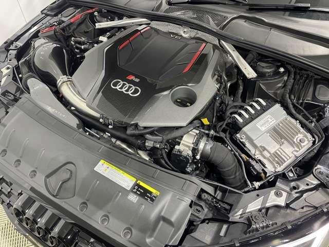 V6  2.9リッターターボ エンジンは過激な450馬力!!