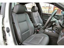 BMWならではの洗練されたインテリア!シートの使用感も少なく綺麗な状態です!