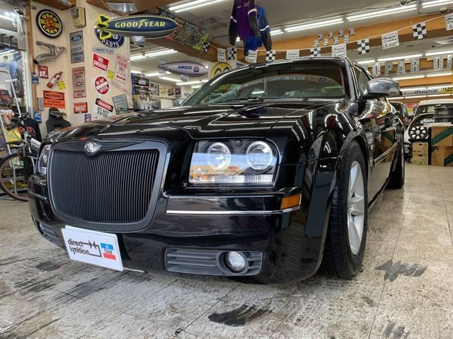 クールブラック300ツーリング・中並3.5SXT4WD!グレーレザー・サンルーフ!外ヘッドライト&テール!中古ナビ・地デジフルセグ・バックカメラ・ETC!ダッジ17インチAW+スタッドレス!社外20インチAW!ローダウン!