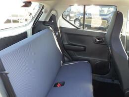 大人が座っても、ゆったり余裕のリヤシート。ちょい乗りから旅行まで、あらゆるシーンで大活躍!