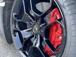 Giano 20インチ(ハイグロスブラック)&レッドブレーキキャリパー&カーボンブレーキシステム