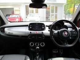 運転支援システムについては、衝突被害軽減ブレーキ付きの前面衝突警報や車線逸脱警報などを搭載。前方追随型のアダプティブクルーズコントロールも装備されています