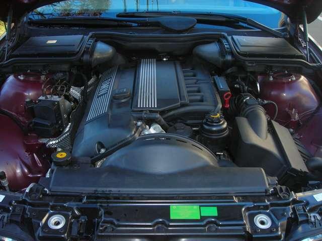 エンジンはシルキー6.直6です。定期点検記録簿付きですので安心してお乗り頂けます♪