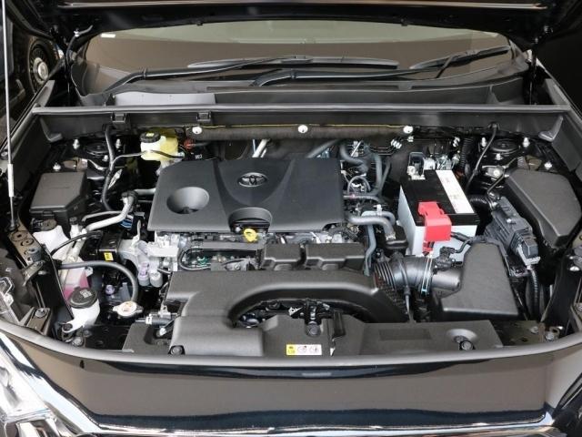 2000CCのガソリンエンジン