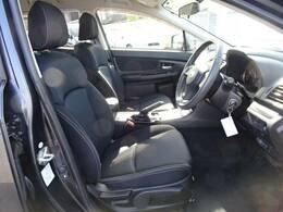 サポート性に優れ長時間の運転でも疲れにくく開発されているスバル車のフロントシート♪
