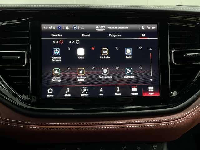 10.1インチLCDディスプレイに話題のApple Car Play/Android autoが装備され、スマホを接続させることでスマホ内蔵のナビが使えます!