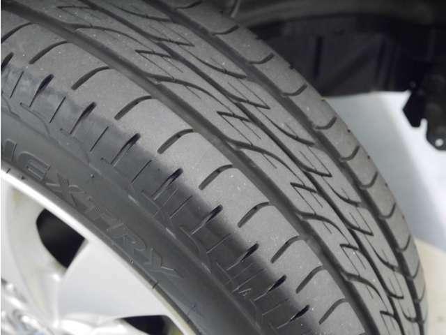 「タイヤ溝」 タイヤの溝は5分山です!新品タイヤ交換も承ります!ご相談ください!