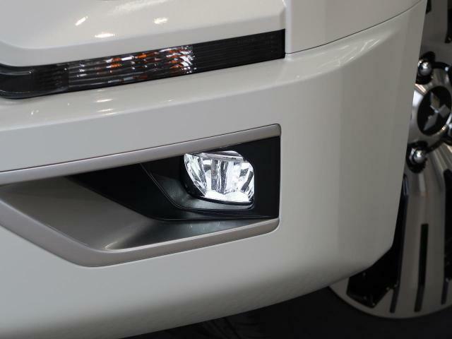 【LEDフォグランプ】最新のLEDフォグランプ!!見た目のかっこよさが違います。