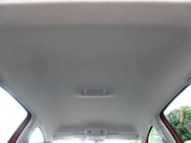 車内はプロによるルームクリーニング済み!気になる臭い等もなく、お納車後も気持ち良く乗って頂けます♪