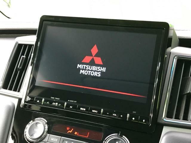 【純正10型ナビ】CD機能や地デジ視聴も可能ですので、ドライブもとても楽しくなりますね☆TVキャンセラーもオプションで注文可能です♪
