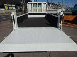 荷台と煽りとゲートは塗装します! 500Kg垂直式パワーゲート 車体寸法 L:469 W:169 荷台寸法 L:312 W:161 ゲート幅:152 奥行:100 1.5t積載10尺平ボディ